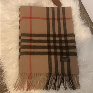 Burberry traditional large check lambswool scarf